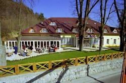 baracke-hotel